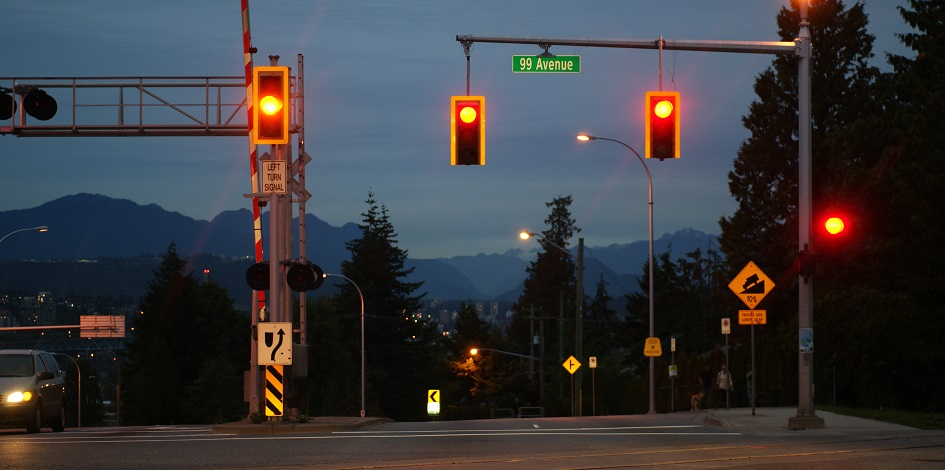 """A red light is flashing over """"bond proxy"""" income funds"""
