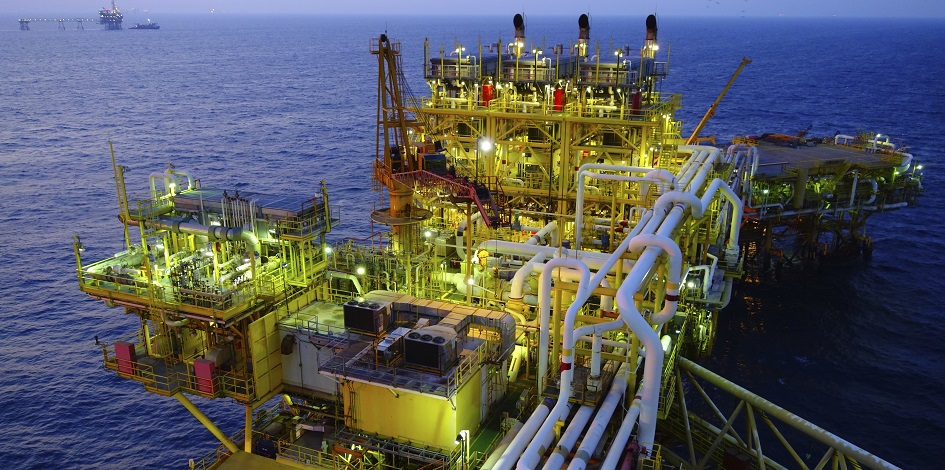 What does the oil price fall mean for income investors?